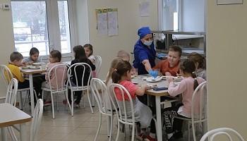 Более 87 тысяч новосибирских школьников будут получать бесплатные обеды