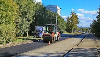 На улице Сержанта Коротаева в Новосибирске появился тротуар