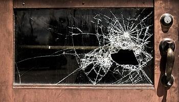 «Мастеров» по ремонту окон обвиняют в мошенничестве в Новосибирске