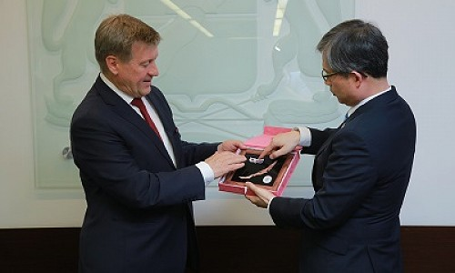 Мэр Новосибирска предложил открыть в городе Генконсульство Республики Кореи