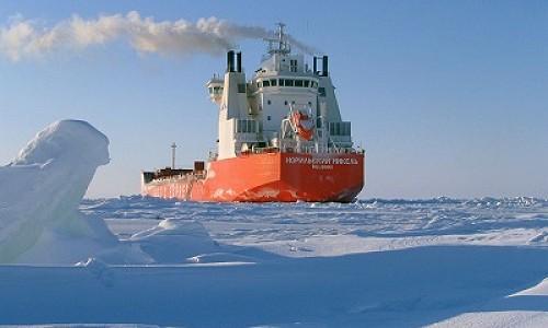 Отечественные корпорации построят новый ледокол для Северного морского пути