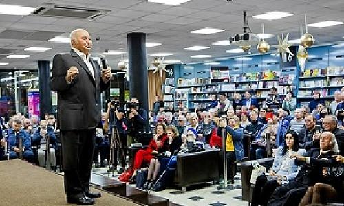 Юрий Лужков заявил, что народ должен знать свою историю в неискаженном идеологией направлении