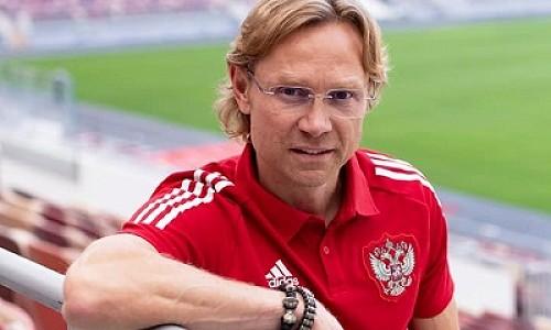 Главный тренер сборной России по футболу выбрал состав на отборочные матчи Чемпионата мира
