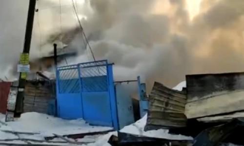 Двое детей погибли во время пожара в Новосибирске. Возбуждено уголовное дело