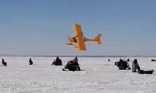 Спортивный самолёт почти сел на головы рыбаков в Новосибирском районе