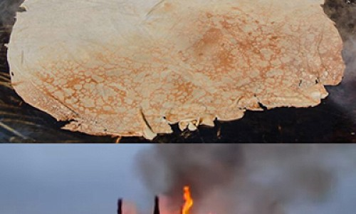"""Гигантский блин на Сахалине и замок """"корона-людоеда""""в Калужской области. Как в России отметили Масленицу?"""