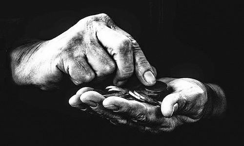 Вычет из пенсии инвалида. На что имеют право коллекторы