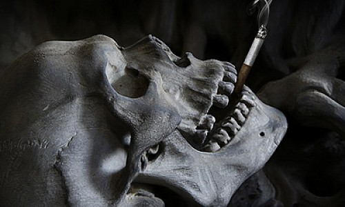 Инфекционист развенчал миф о курении и COVID-19